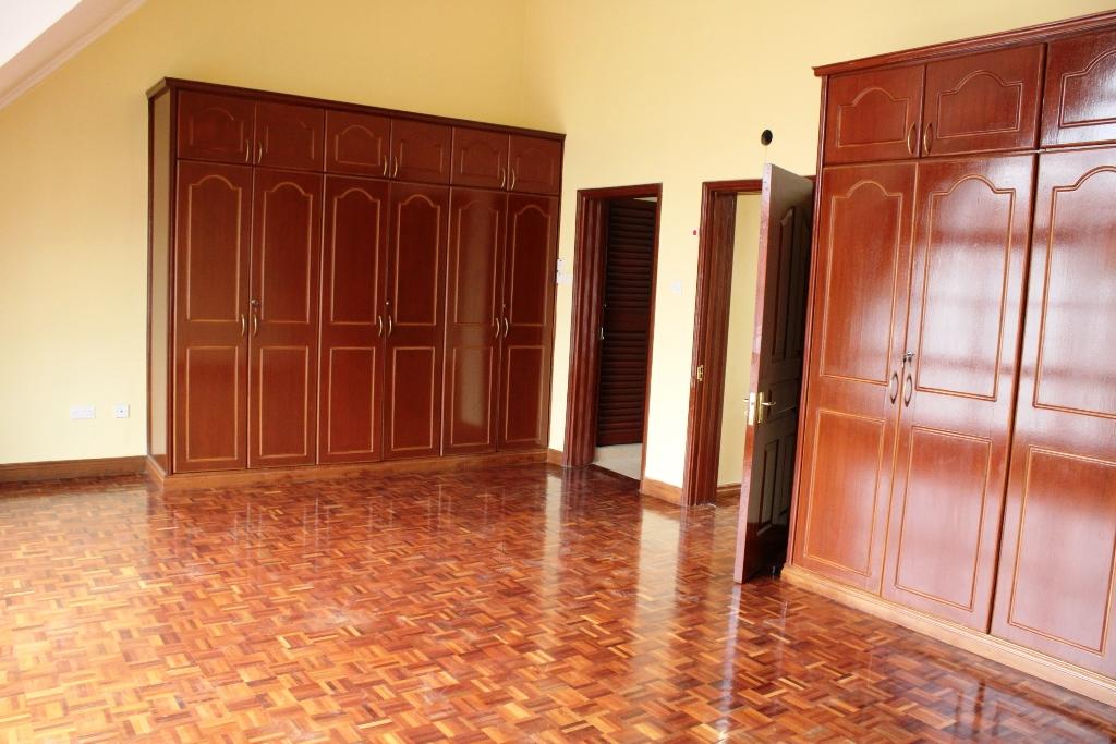 4-bedroom-to-let-in-brookside2