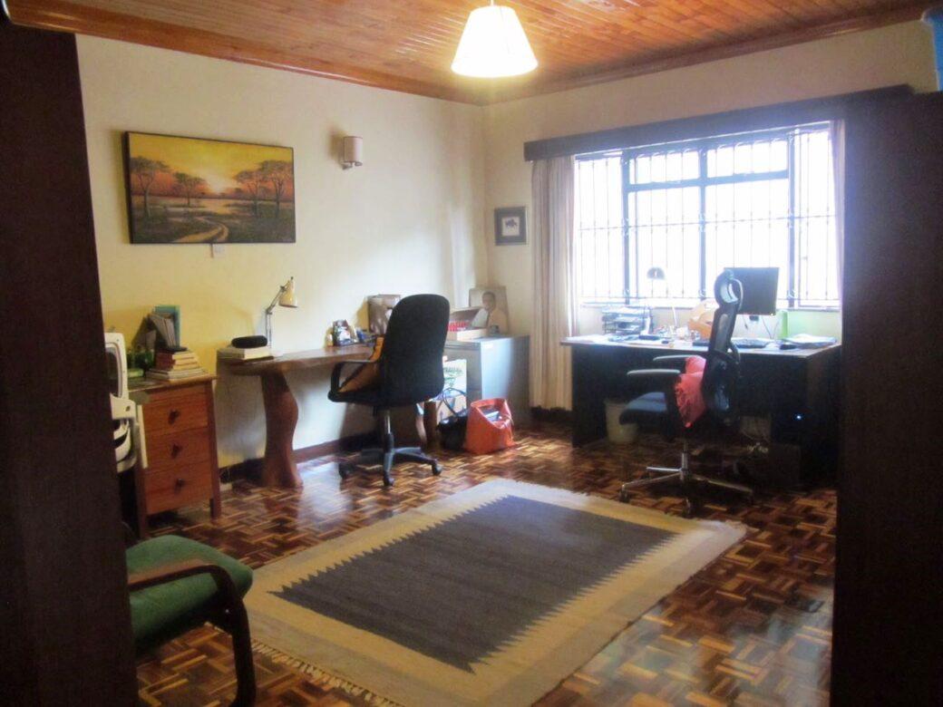 mansion-for-sale-in-westlands03