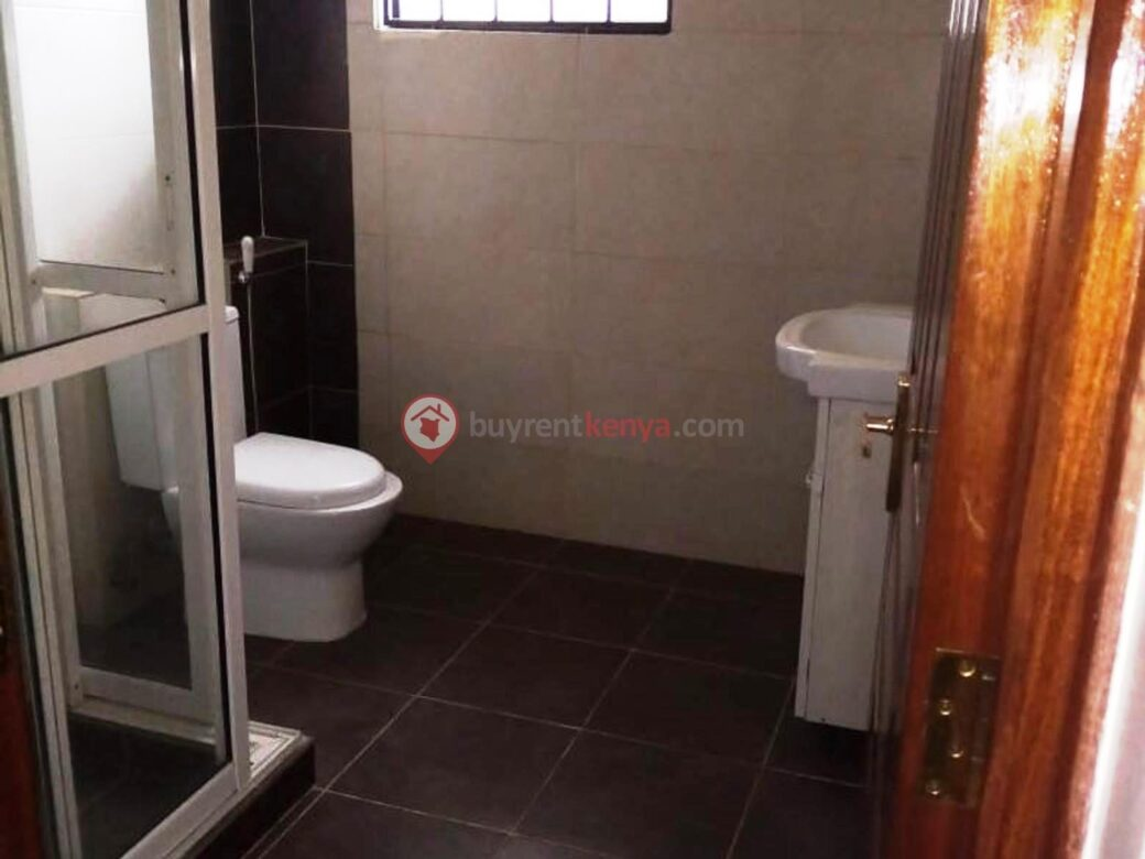 3-bedroom-apartment-for-rent-dennis-pritt0115