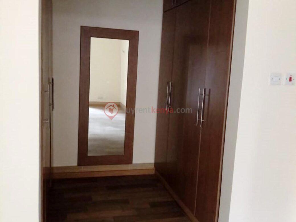 3-bedroom-apartment-for-rent-dennis-pritt0118