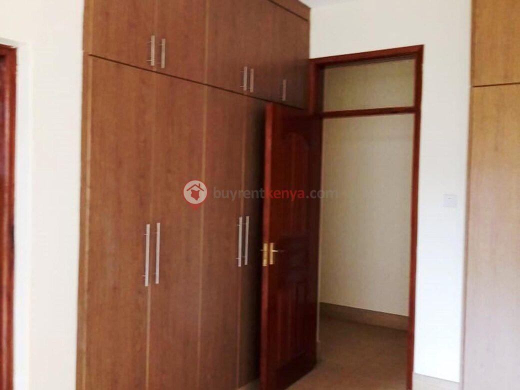 3-bedroom-apartment-for-rent-dennis-pritt0119