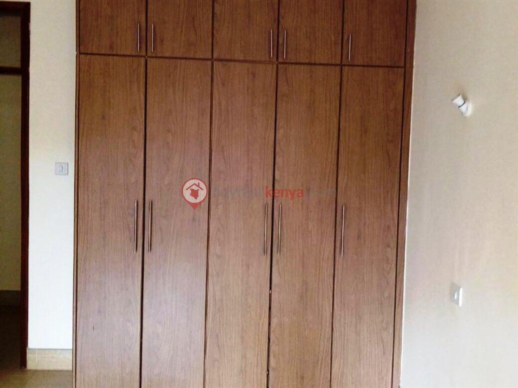 3-bedroom-apartment-for-rent-dennis-pritt0120