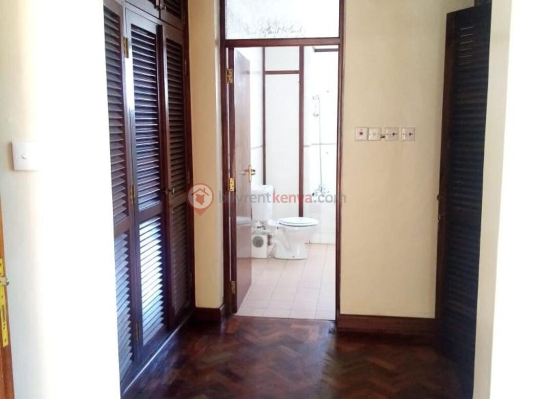 4 bedroom apartment for rent in Lavington0103