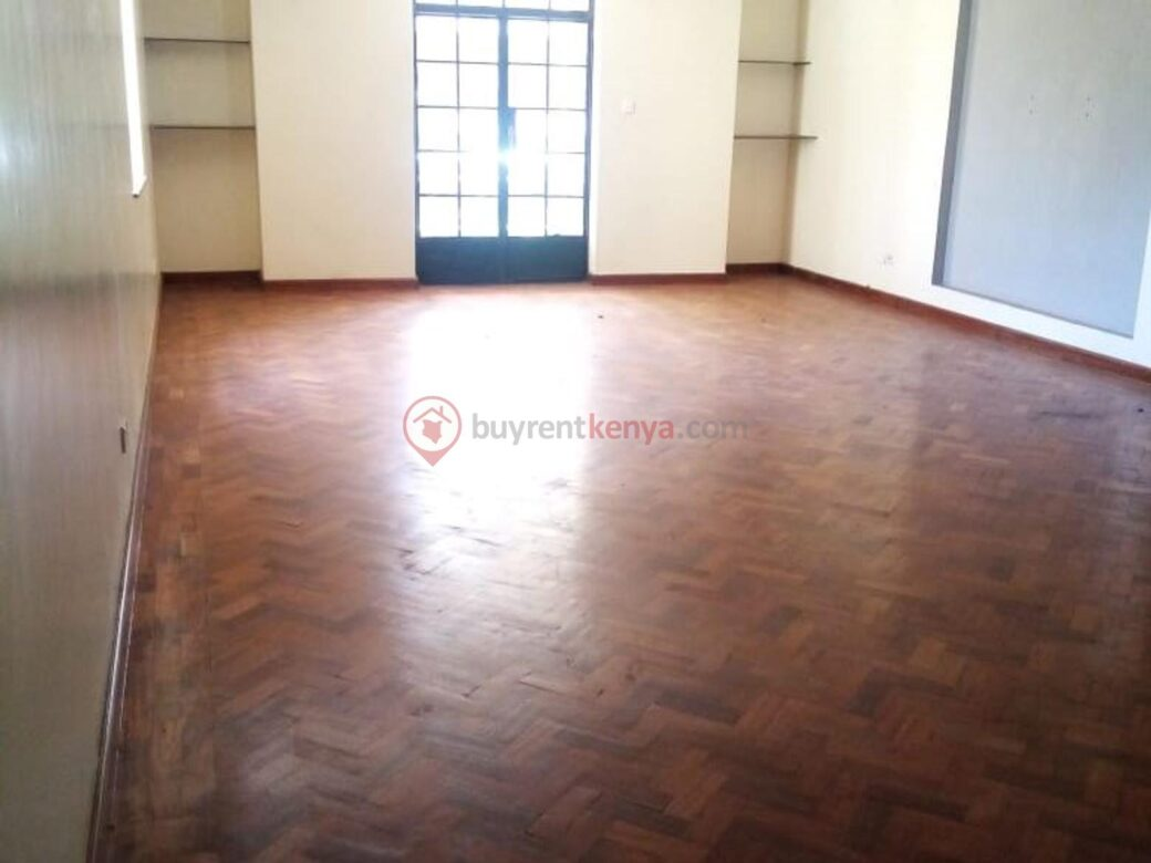 4 bedroom apartment for rent in Lavington0111