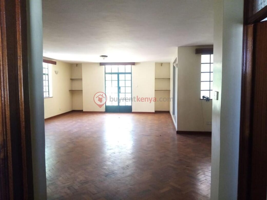 4 bedroom apartment for rent in Lavington0115