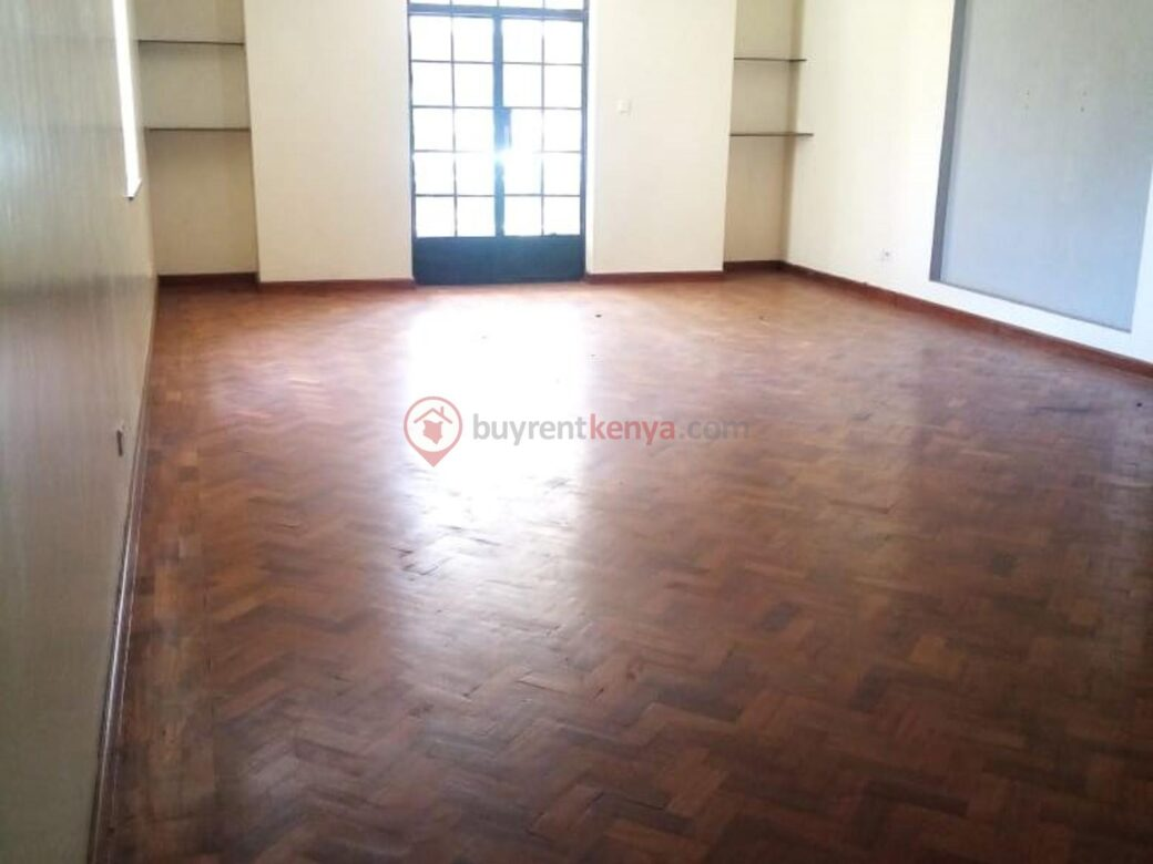 4 bedroom apartment for rent in Lavington0118