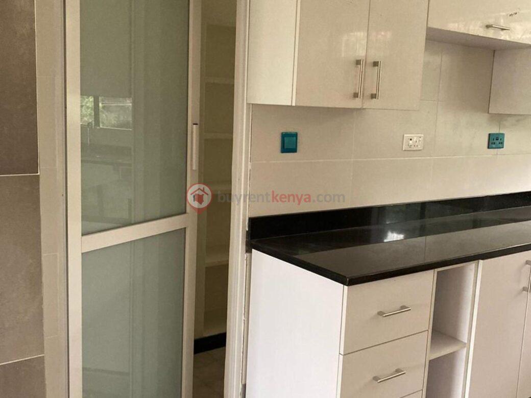 4-bedroom-apartment-for-rent-riverside01010104