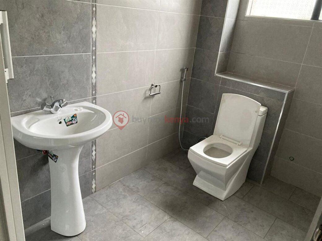 4-bedroom-apartment-for-rent-riverside01010112