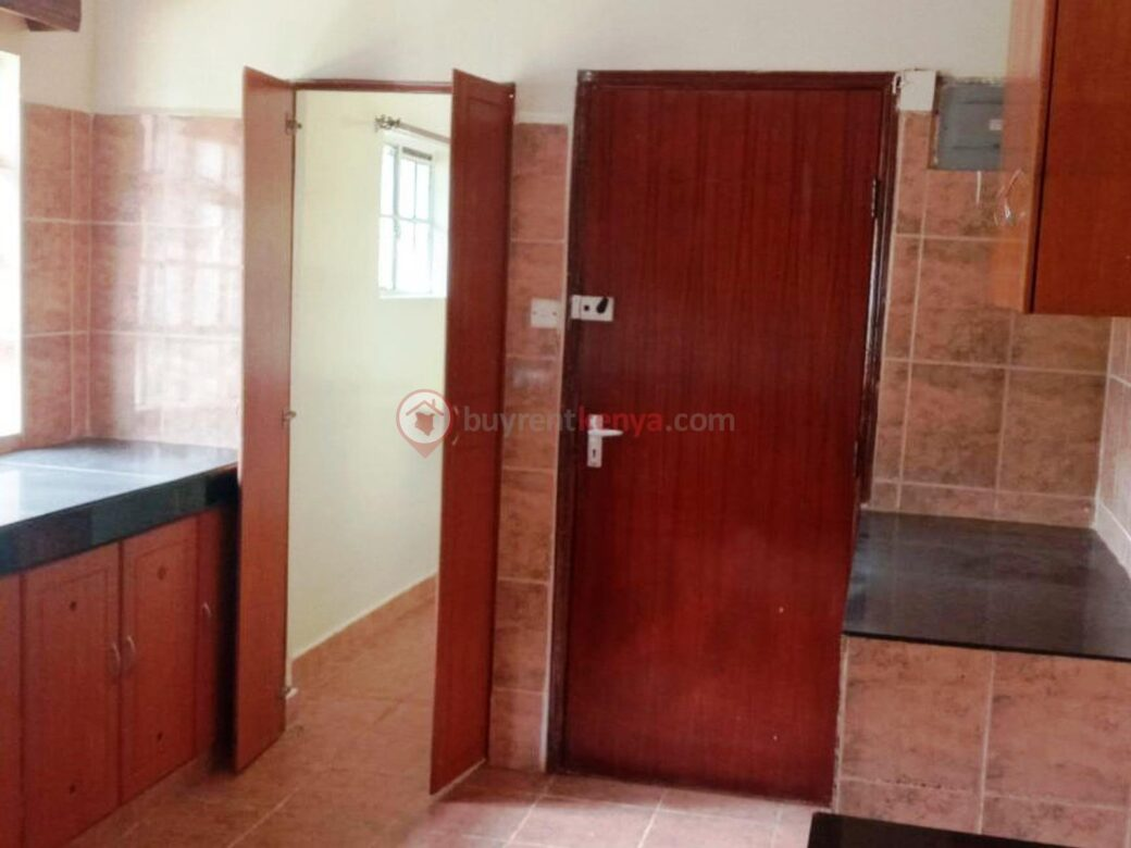 4-bedroom-house-for-rent-spring-valley11
