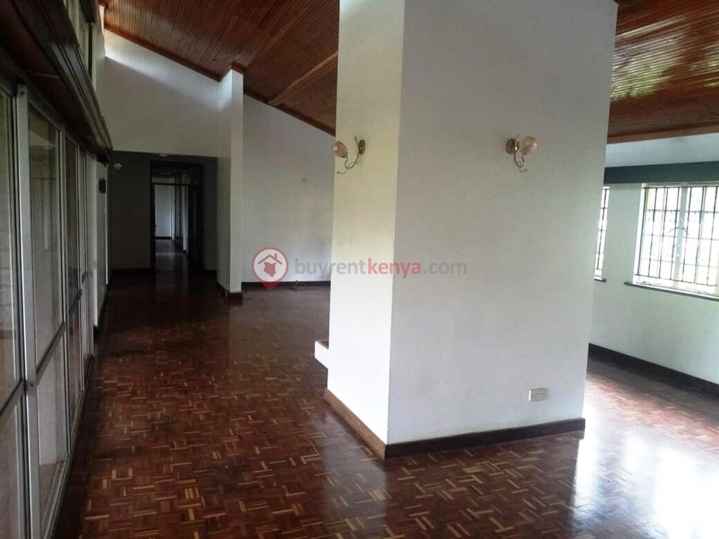 5-bedroom-townhouse-for-sale-thigiri08